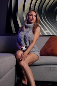 Inspirational Model Liz Katz Virgin Killer Sweater